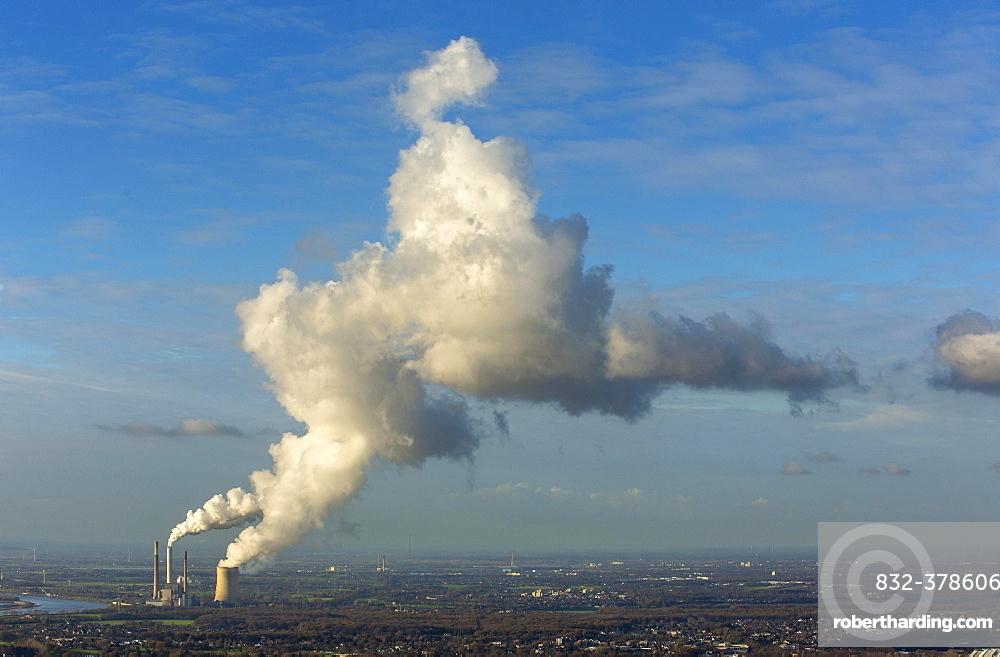 Kraftwerk Voerde coal power plant on the Rhine, emissions, smoke, smokestacks, cooling tower, Voerde, Ruhr district, North Rhine-Westphalia, Germany, Europe