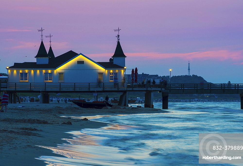 Ahlbeck pier in evening light, seaside resort Ahlbeck, Usedom Island, Mecklenburg-Western Pomerania, Germany, Europe