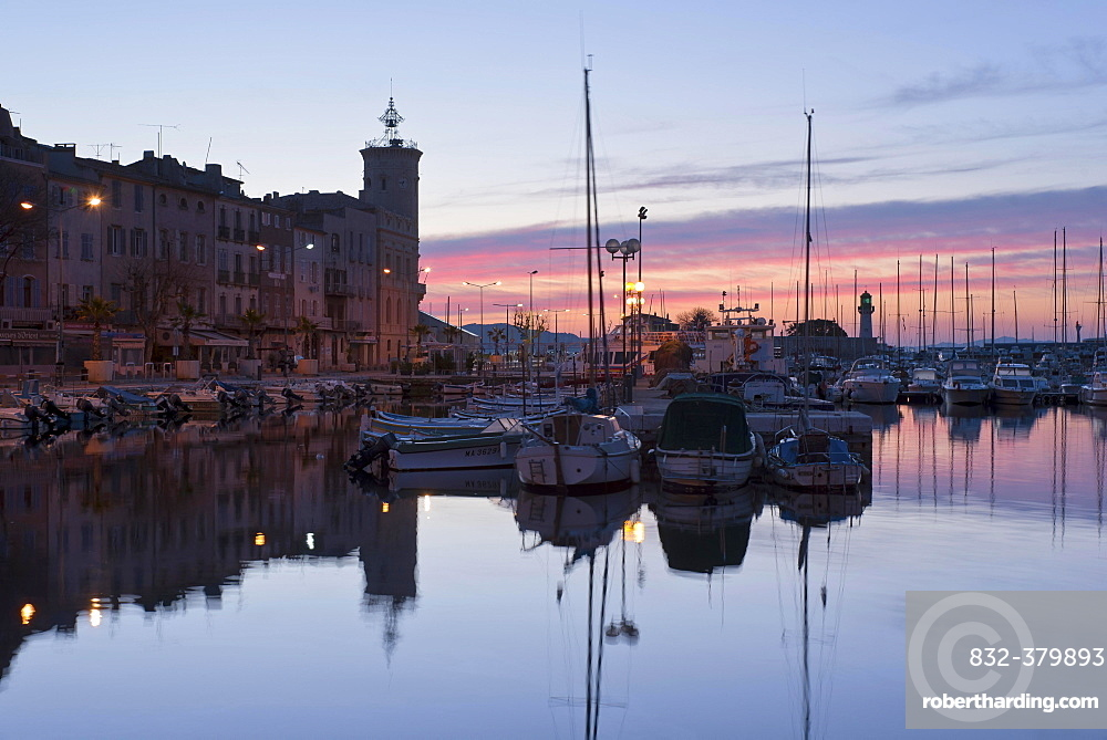 Old city with boats in the harbour at sunrise, La Ciotat, Provence-Alpes-Côte d'Azur, France, Europe