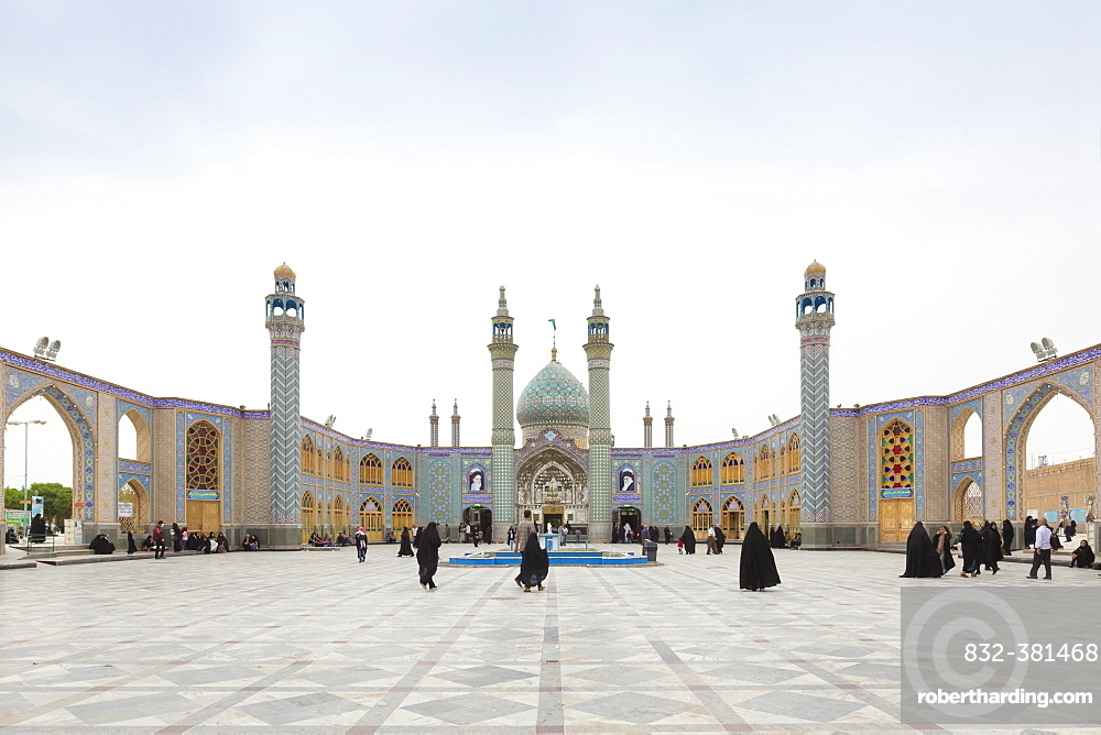 Courtyard of holy shrine of Imamzadeh Helal Ali in Aran va Bidgol, near Kashan, Iran, Asia