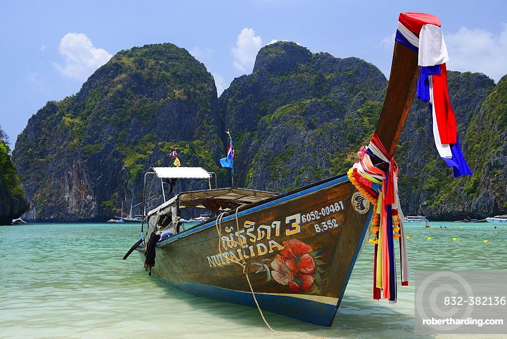 Traditional longtail boat, Maja Beach, Phi Phi Island, Thailand, Asia