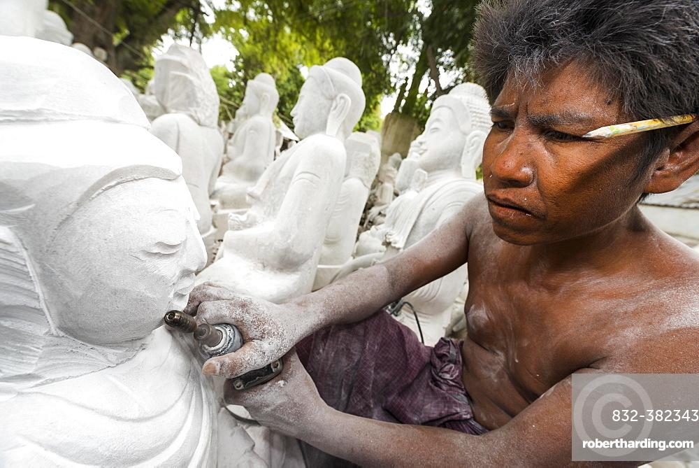 Stonemason, man at work on Buddha statue, Mandalay, Mandalay Division, Myanmar, Burma, Asia