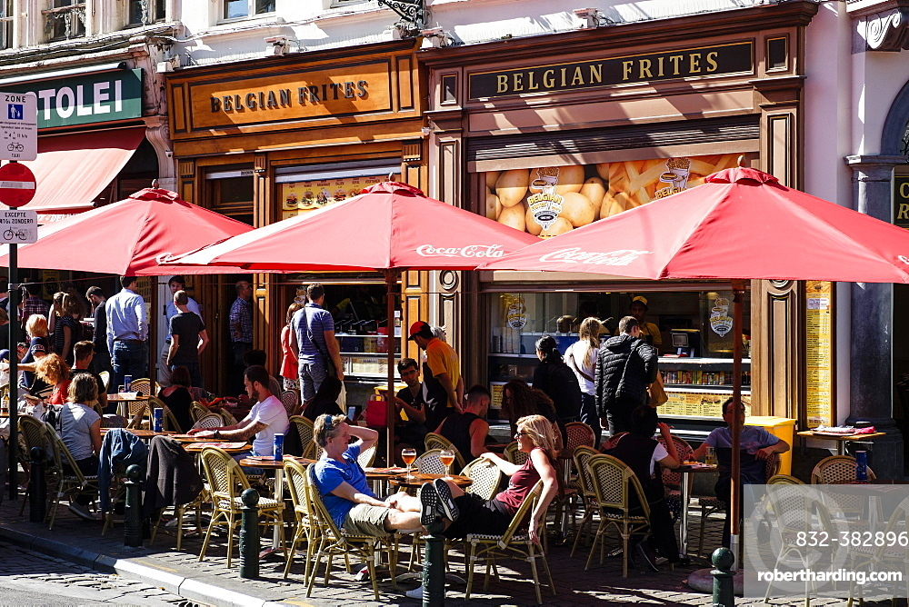 Street cafe in the centre of Brussels, Belgium, Europe