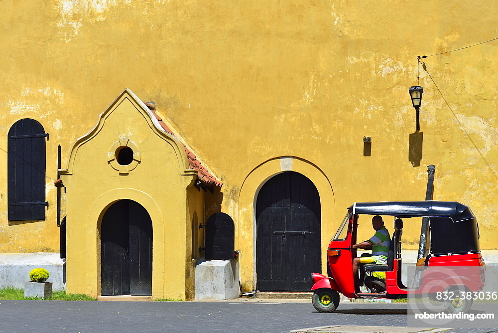 Tuk-tuk in front of the Warehouse Building in Queens Street, Galle Fort, Galle, Southern Province, Sri Lanka, Asia
