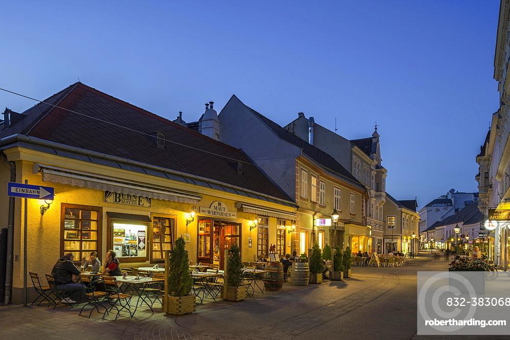 Maut Wirtshaus tavern in the Empress Elizabeth Street, Modling, Lower Austria, Austria, Europe