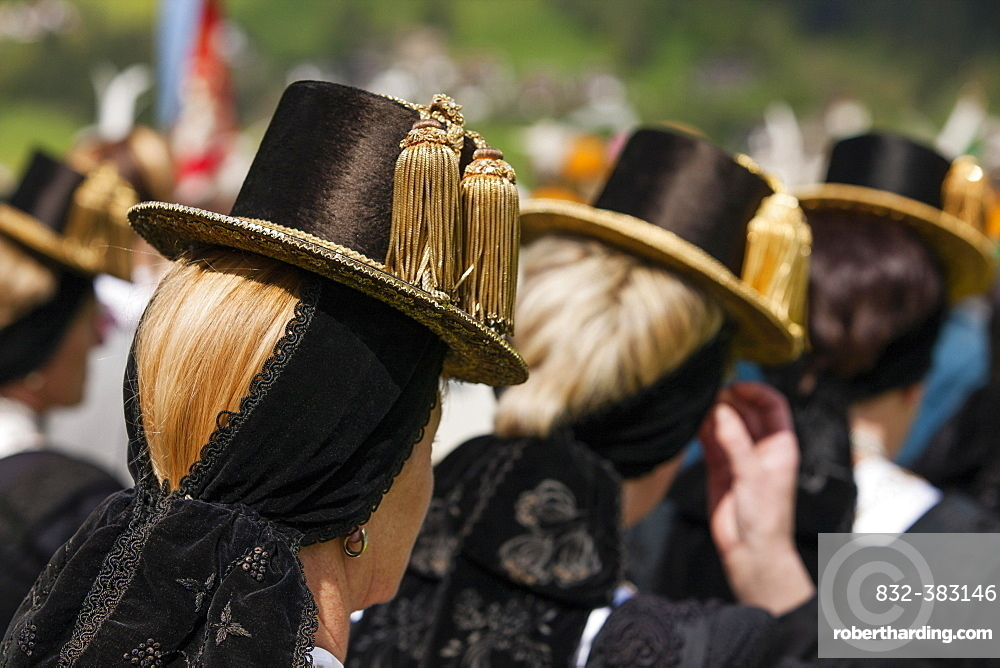 Gauderfest festival with traditional costumes, Zell am Ziller, Zillertal, North Tyrol, Austria, Europe