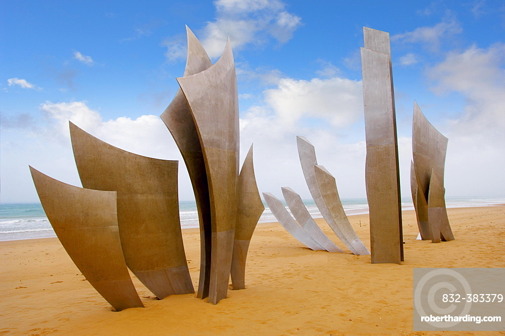 """The Polynational Second World War memorial """"""""Les Braves"""""""" by Anilore Banon, 2004, Omaha Beach, Laurent-sur-Mer, Normandy, France, Europe"""
