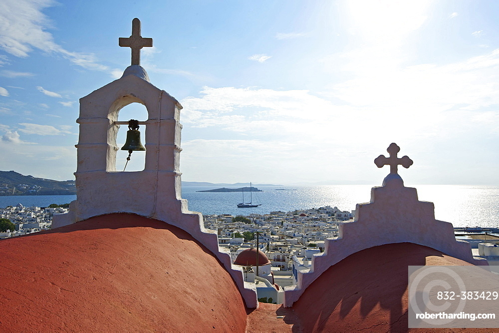 Chapel overlooking Mykonos Town, Mykonos, Cyclades, Greece, Europe