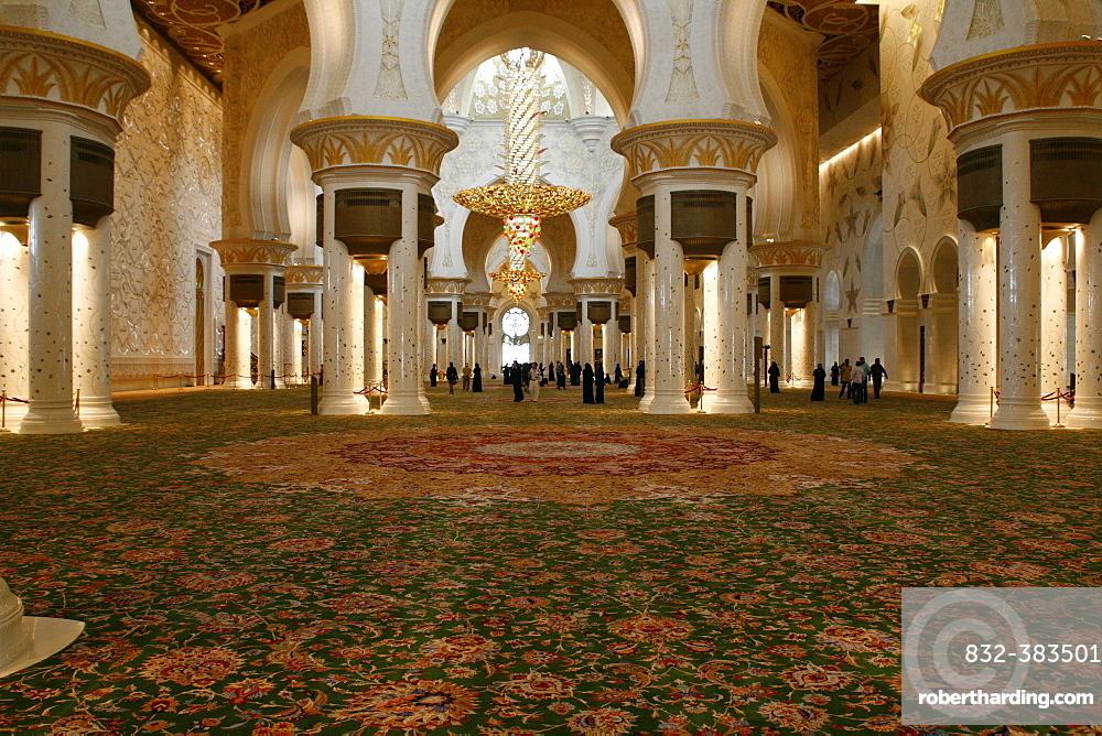 Interior, Sheikh Zayed Mosque, Abu Dhabi, Emirate of Abu Dhabi, United Arab Emirates, Asia