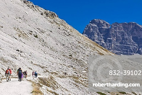 Tre Cime di Lavaredo, Three Peaks Trail, Dolomites, Italy, Europe