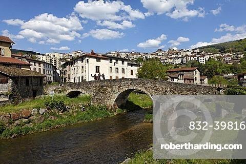 Moutier bridge over the Durolle river, Thiers, Puy de Dome, France, Auvergne, Europe