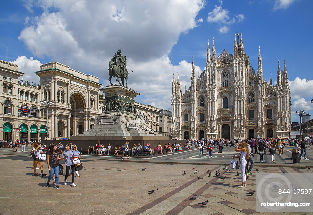 View of the Duomo di Milano and Vittorio Emanuele II in Piazza Del Duomo, Milan, Lombardy, Italy, Europe