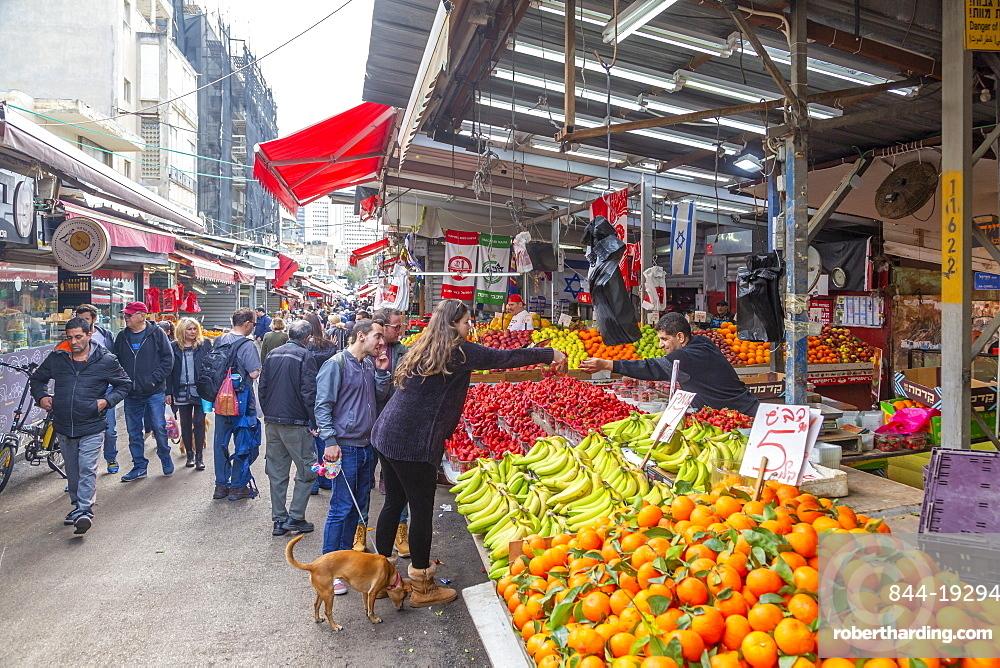 View of fruit stall in Had veHalak Market on Ha Carmel Street, Tel Aviv, Israel, Middle East