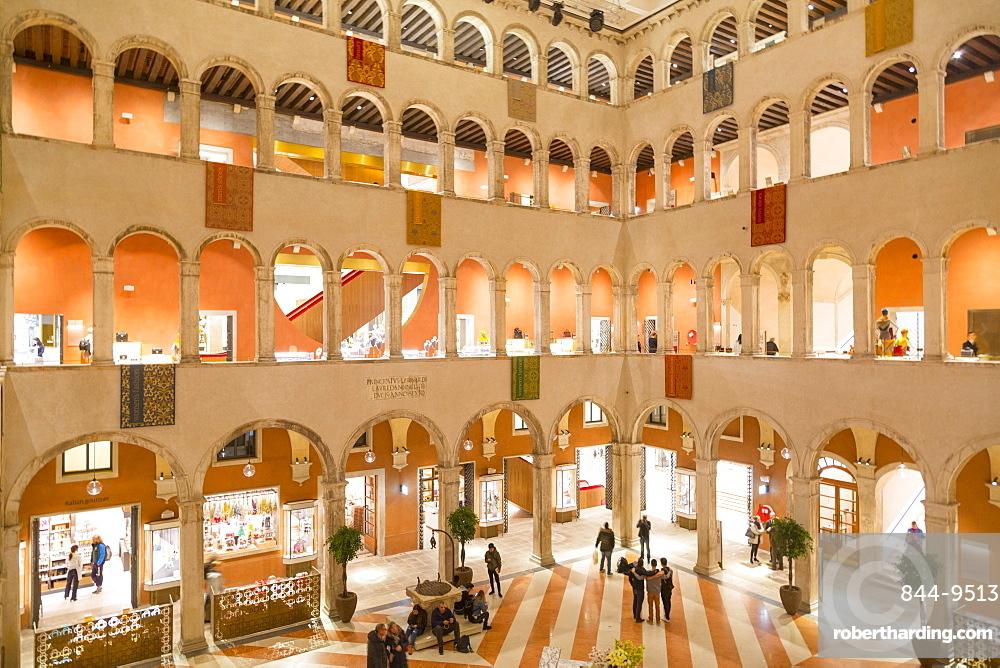 Fontego dei Tedeschi interior, Venice, UNESCO World Heritage Site, Veneto, Italy, Europe