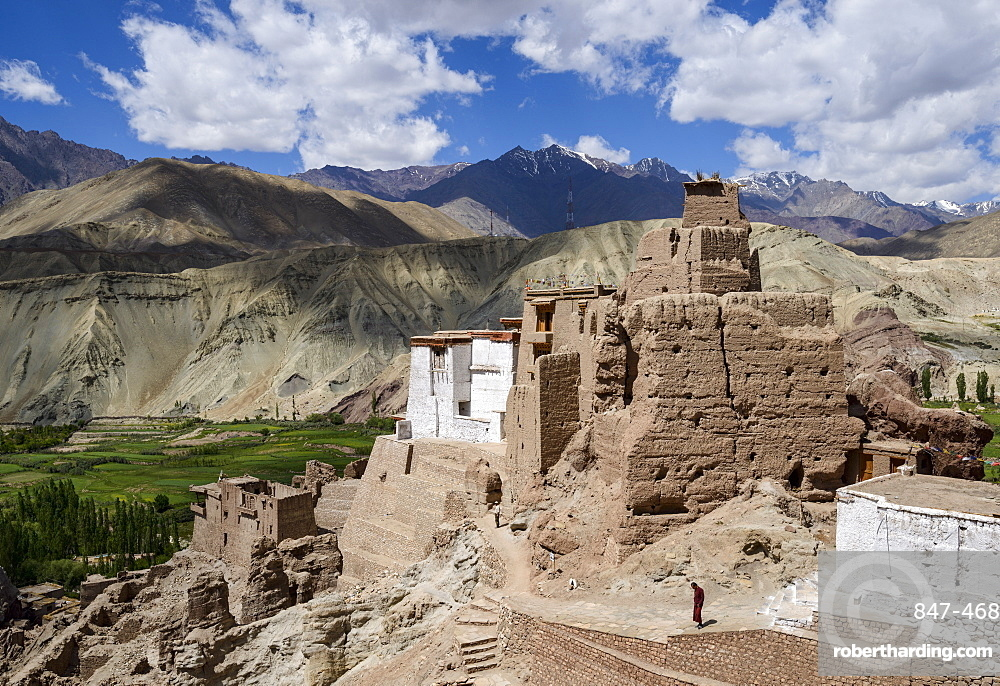 The 16th and 17th century fort and monastery at Basgo, Ladakh, Himalayas, India, Asia
