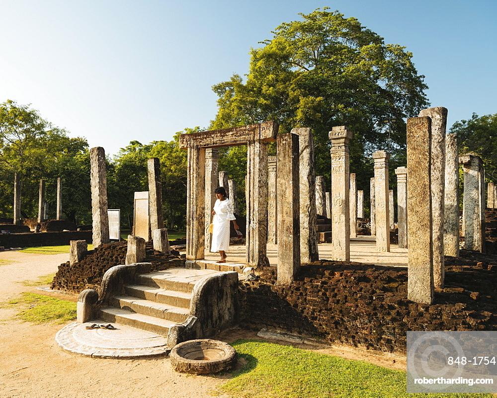 Recumbent House, Polonnaruwa, UNESCO World Heritage Site, North Central Province, Sri Lanka, Asia