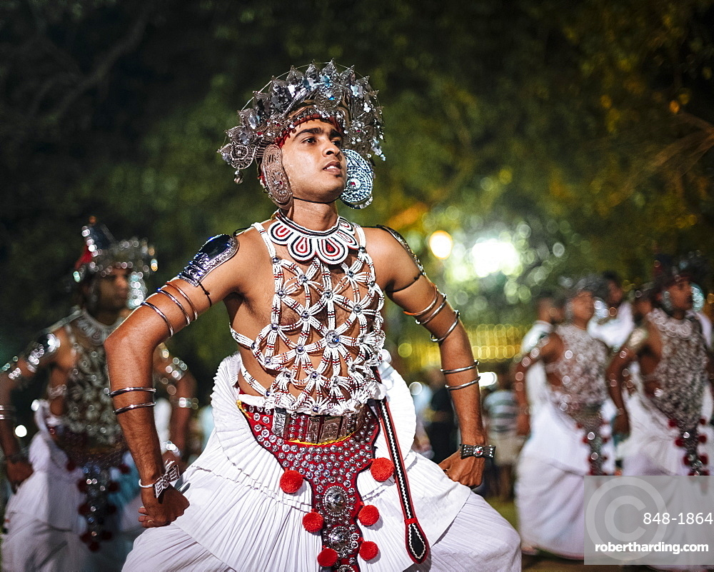 Duruthu Perahera Full Moon Celebrations at Kelaniya Raja Maha Vihara Buddhist Temple, Colombo, Western Province, Sri Lanka, Asia