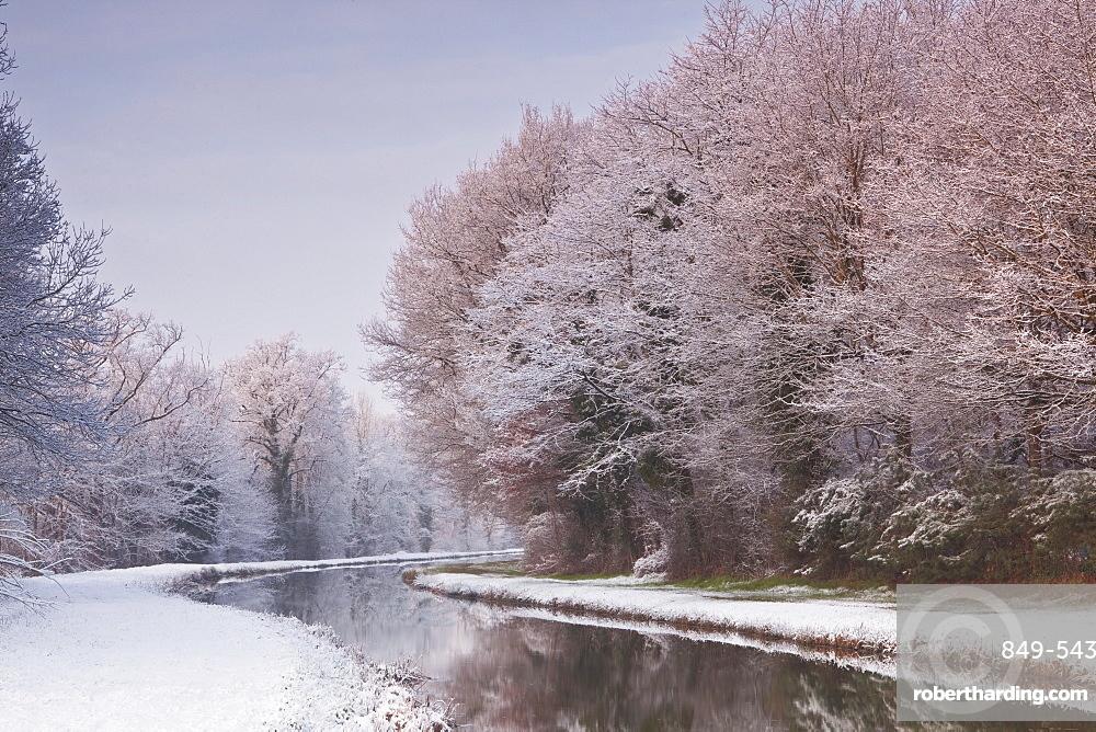 The Canal de Berry after a snow shower, Loir-et-Cher, Centre, France, Europe