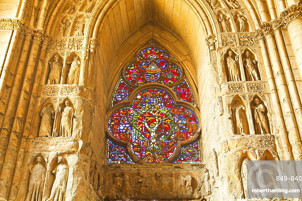 High relief sculptures inside Notre Dame de Reims cathedral, UNESCO World Heritage Site, Reims, Champagne-Ardenne, France, Europe