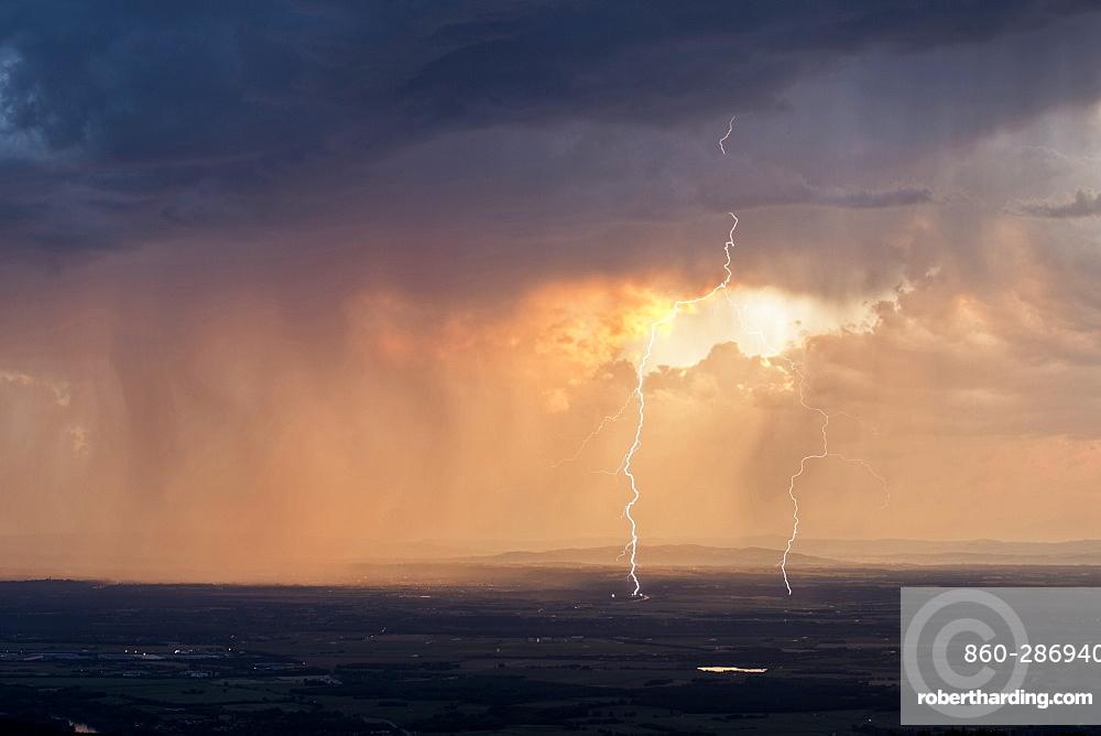 Thunderbolt forked at sunset - Ain, France