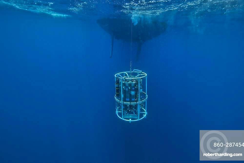 Tara Oceans Expeditions - May 2011. CTD-Rosette (Conductivity Temperature Density instrumental platform with 7 additional sensors), galapagos