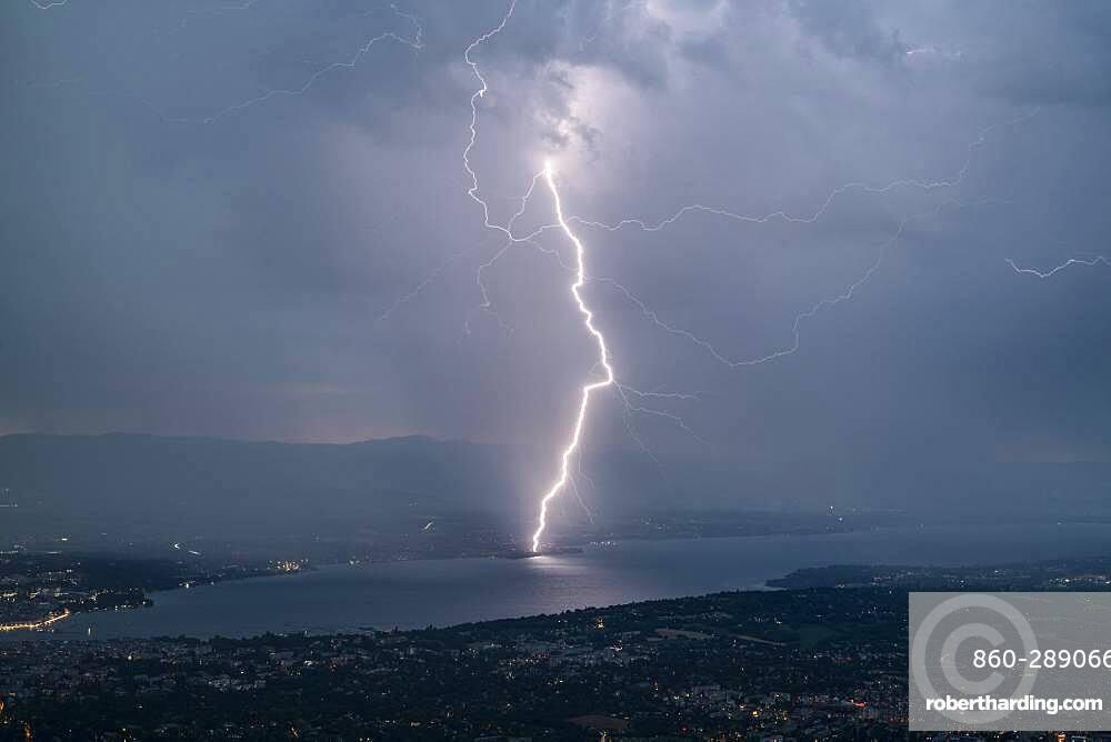 Daytime lightning strike on the north shore of Lake Geneva, during the thunderstorms of July 25, 2019, Canton of Geneva, Switzerland
