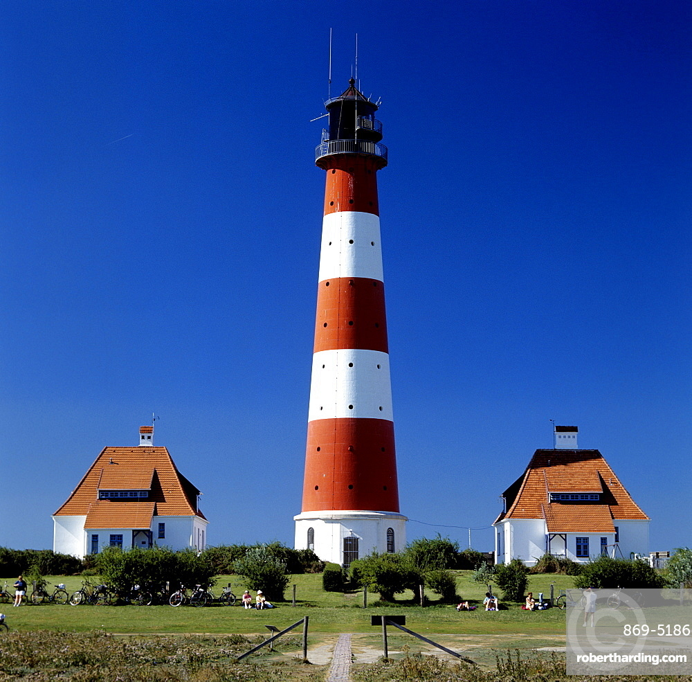 lighthouse Westerhever with two houses Texel De Cocksdorp Wadden islands North Holland The Netherlands Holland Europe Eiderstedt North Frisia Schleswig-Holstein Germany