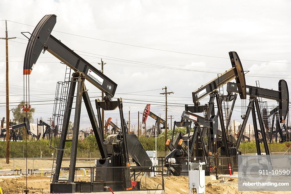 The Kern River oilfield in Oildale, Bakersfield, California, USA