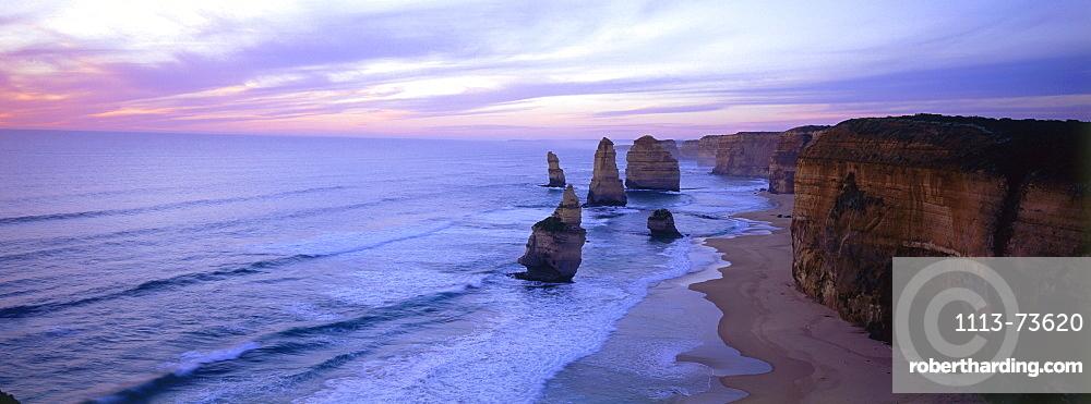 Panorama of the Twelve Apostles, Port Cambell National Park, Great Ocean Road, Victoria, Australia