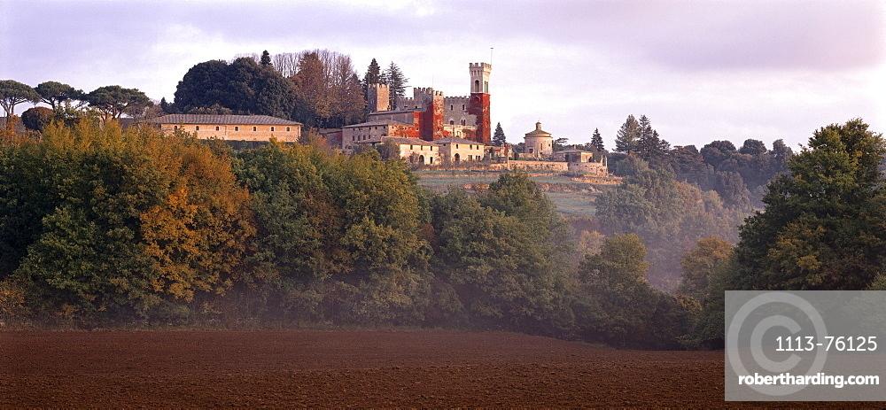 Castello, Castle in the Montagnola mountains, east of Siena, Toskana, Italy