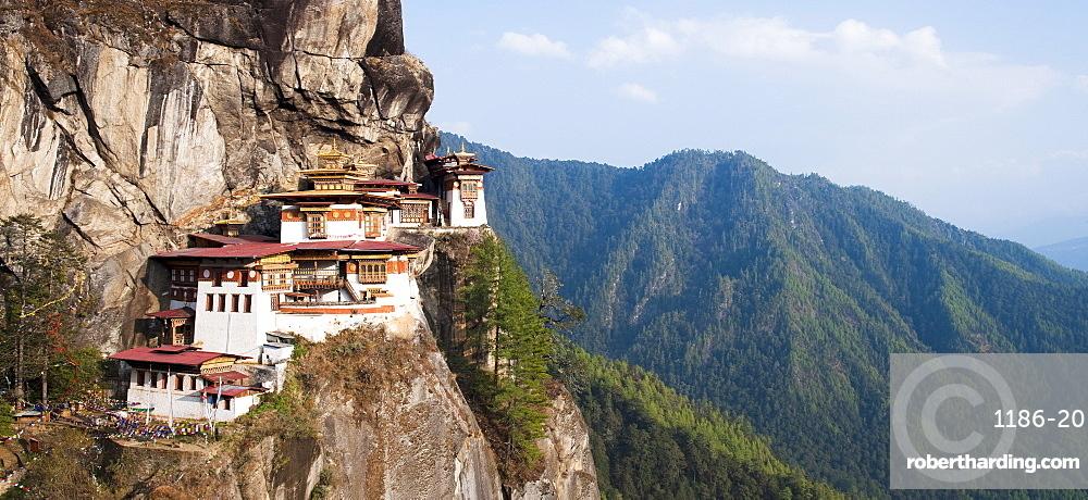 Paro Taktsang (Tigers Nest monastery), Paro District, Bhutan, Himalayas, Asia