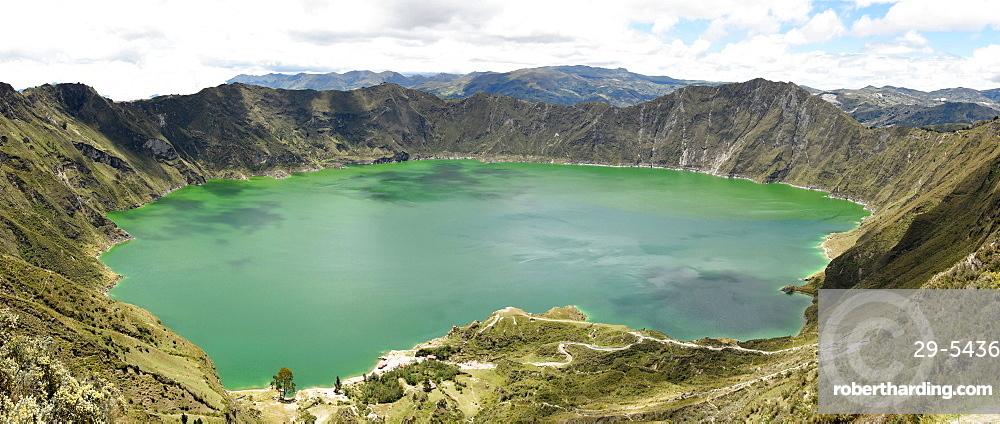 Lago Quilotoa, caldera lake in extinct volcano in central highlands of Andes, Ecuador, South America