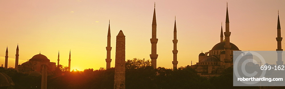 Domes and minarets of the Blue Mosque (Sultan Ahmet Mosque), Istanbul, Turkey, Europe