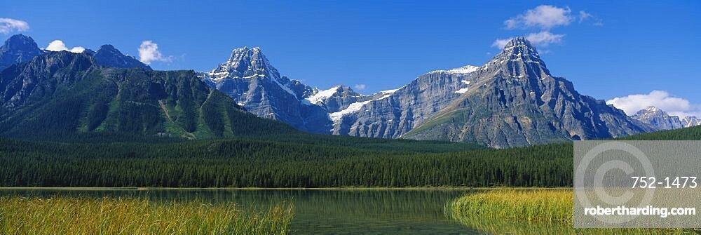 Lake in front of mountains, Lake Waterfowl, Banff National Park, Alberta, Canada