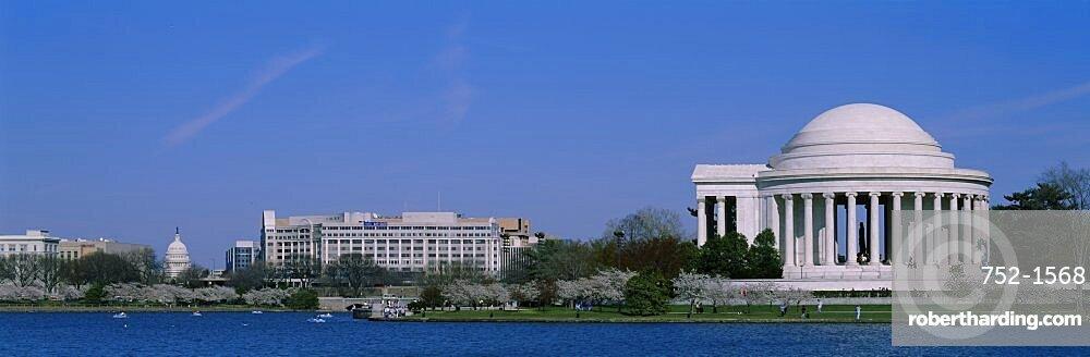 Tourists at a memorial, Jefferson Memorial, Washington DC, USA