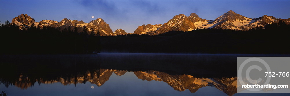 Reflection of mountains on Little Redfish Lake, Sawtooth Mountain, Sawtooth National Recreation Area, Idaho, USA