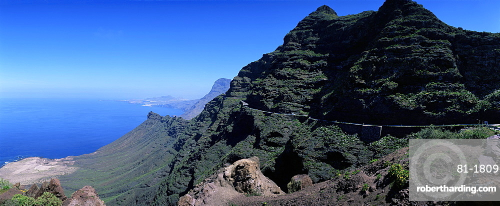 View from Route GC200 on west coast, with Puerto de las Nieves in the distance, Gran Canaria, Canary Islands, Spain, Atlantic Ocean, Europe