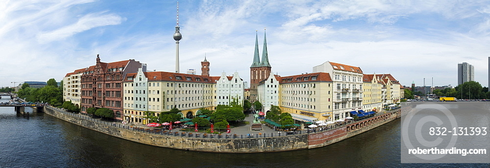 Panorama, Spree river and Nikolaiviertel district, Berlin, Germany, Europe