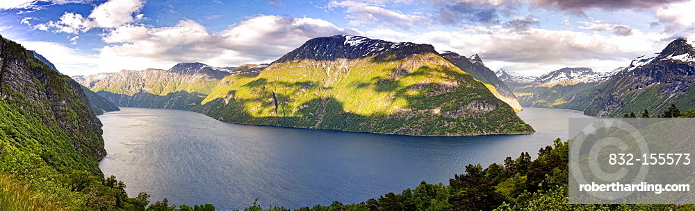 Panoramic views of the Sunnylvsfjord and the mouth of the Geiranger Fjord, Norway, Scandinavia, Europe