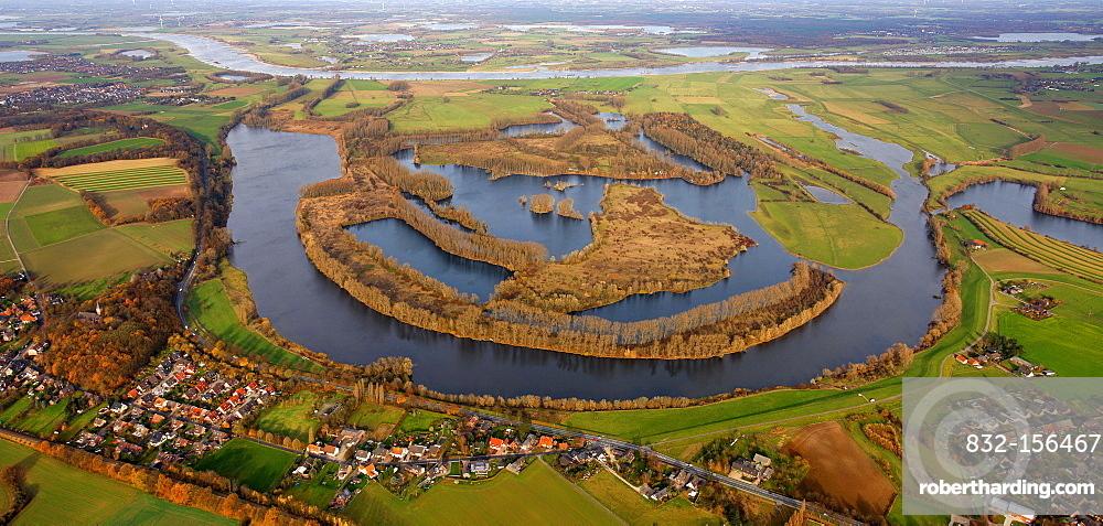 Aerial view, former bend of the Rhine river, Xanten Altrhein nature reserve, lakes, Maasmannsmardt, Bislicher Insel island, Xanten, Niederrhein region, North Rhine-Westphalia, Germany, Europe