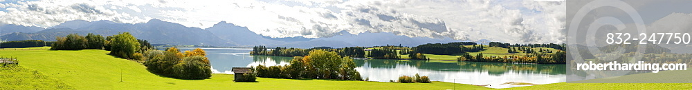 Forggensee Lake with Mt Tegelberg, 1880 m, Mt Saeuling, 2047 m, and Thannheim Mountains, Bavarian Swabia, Bavaria, Germany, Europe