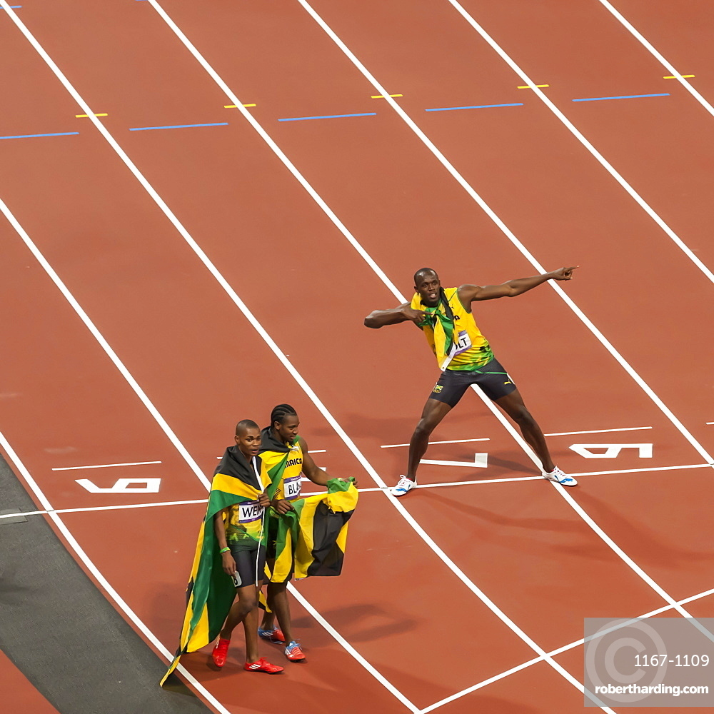 Usain Bolt after winning Men's 200m final, strikes lightning bolt pose, Stadium, London 2012, Olympic Games, London, England, United Kingdom, Europe