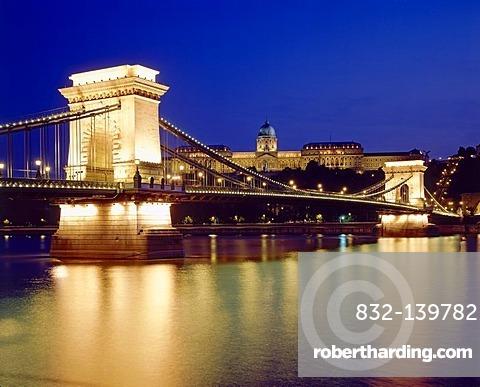 Chain Bridge across the Danube river, Budapest, Hungary, Europe