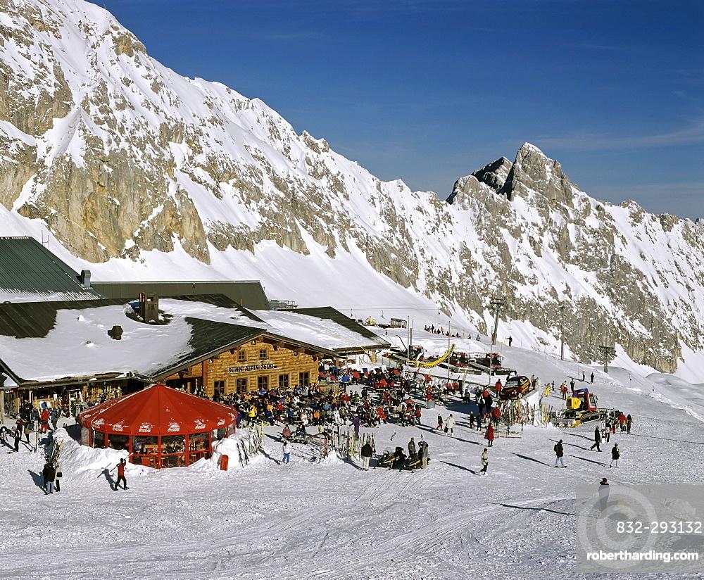 Sonn Alpin, Zugspitze, Germany's highest mountain, Wetterstein Range, Werdenfels Region, Upper Bavaria, Bavaria, Germany, Europe