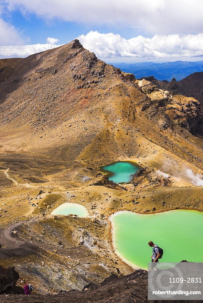Hiking at the Emerald Lakes, Tongariro Alpine Crossing Trek, Tongariro National Park, UNESCO World Heritage Site, North Island, New Zealand, Pacific