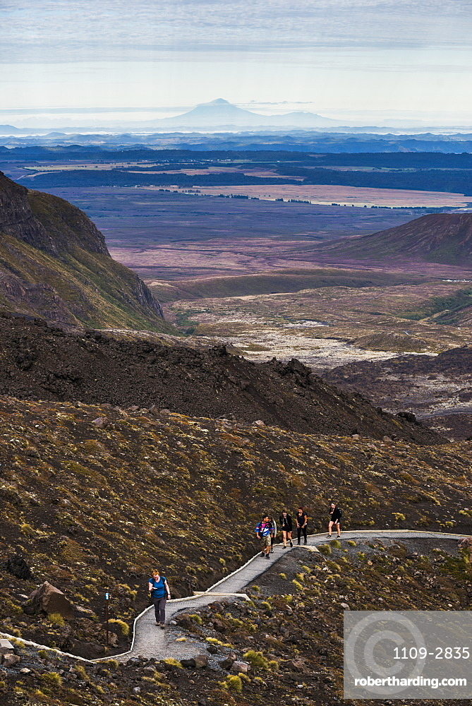 Hikers on the Tongariro Alpine Crossing Trek, Tongariro National Park, UNESCO World Heritage Site, North Island, New Zealand, Pacific