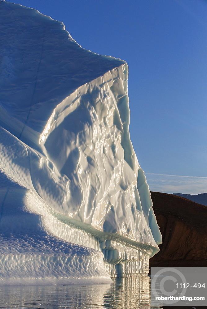 Grounded icebergs, Rode O (Red Island), Scoresbysund, Northeast Greenland, Polar Regions