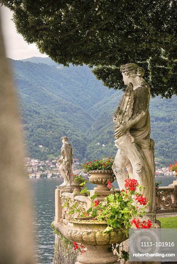 Statues in Villa del Balbianello, Lenno, Lake Como, Lombardy, Italy, Europe