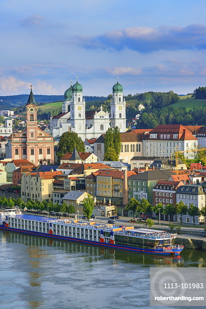 Old town with church of St. Paul and cathedreal of St. Stephen, Passau, Lower Bavaria, Germany