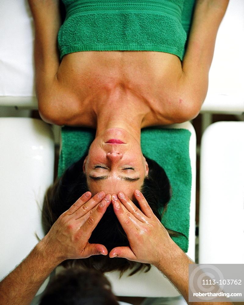 Woman having an Ayurveda head massage, Wellness Hotel, Spa Area, Spa Hotel Seehotel Neuklostersee, Mecklenburg - Western Pomerania, Germany